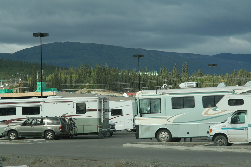 Motorhomes In Walmart Parking Lot 8117 During The Summer