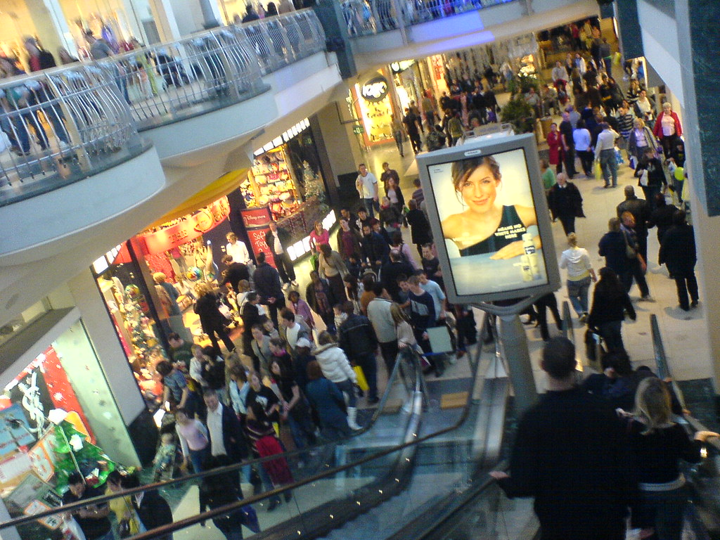 Christmas Crowds At Bluewater Shopping Centre Dave
