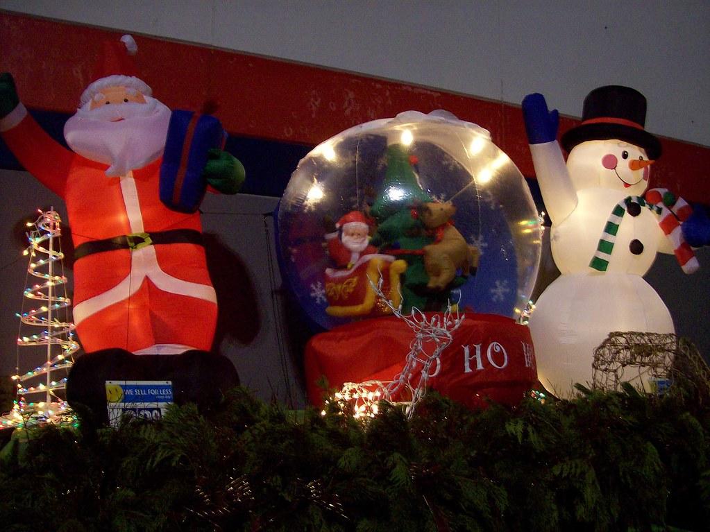 Inflatable Santa Claus Snowman And Giant Snowglobe Decor