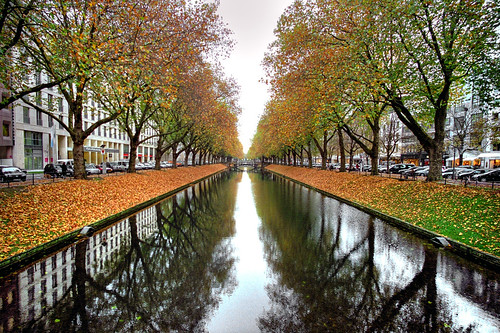 autumn in the city d sseldorf germany the k nigsallee n flickr. Black Bedroom Furniture Sets. Home Design Ideas