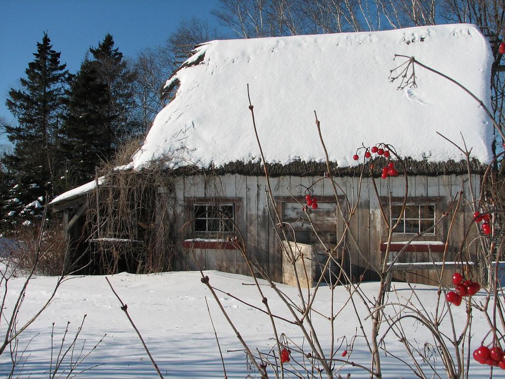 La vieille maison aux baies rouges auberge le baluchon for Auberge de la vieille maison