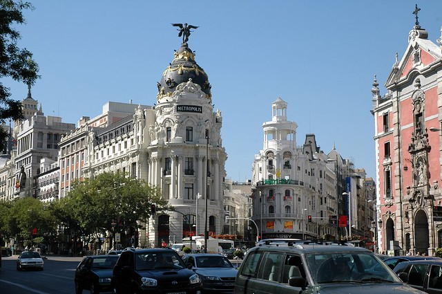 Calle de alcala meets gran via this is a focal point in for Calle sol madrid