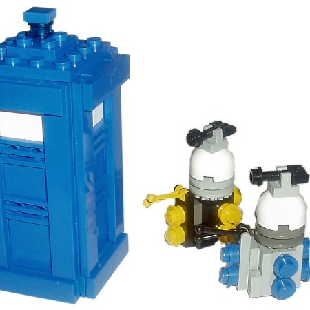 Lego Daleks A Group Of Daleks Close In On The Tardis I Th Flickr