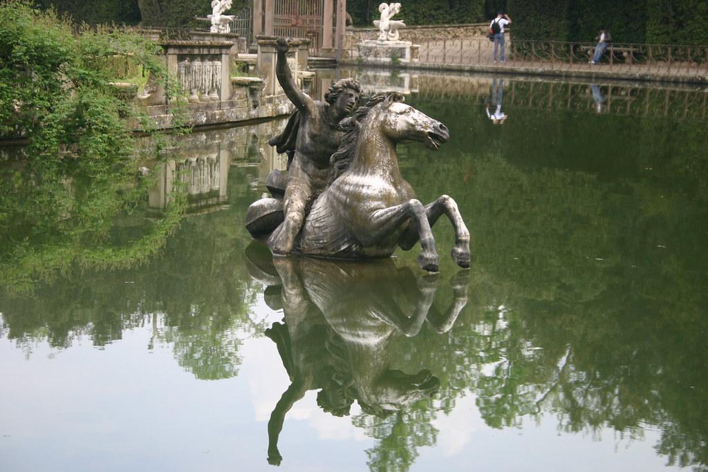 Perseo by giovan battista pieratti giardino di boboli for Jardines boboli