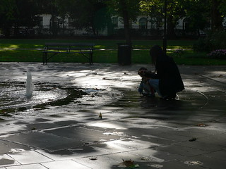 Mother and Child in Russel Square | by tim166