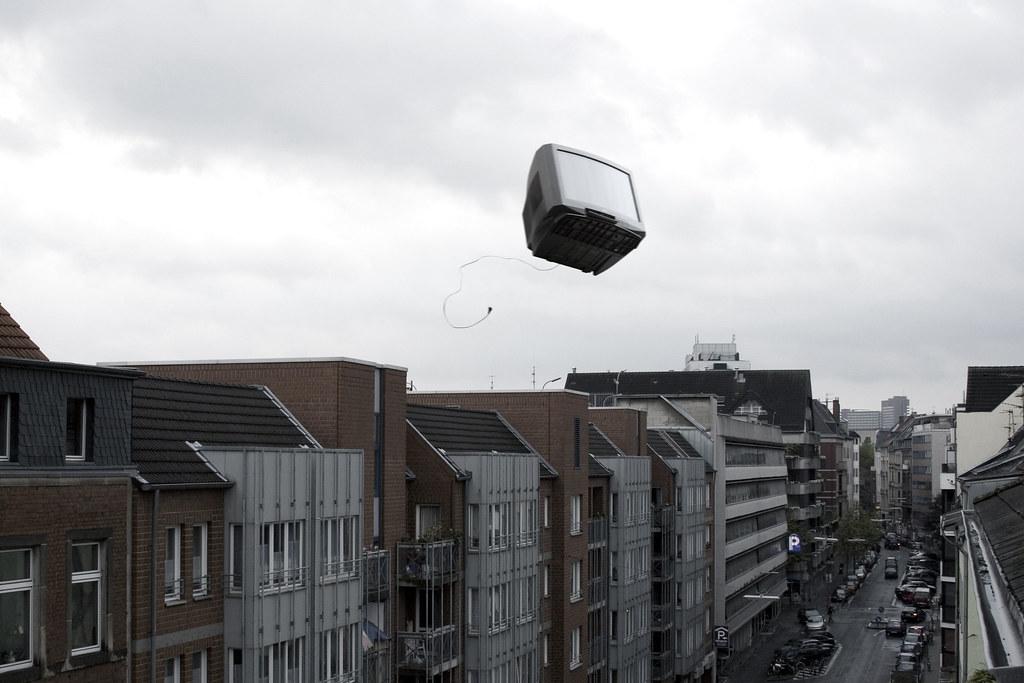 flying tv 1