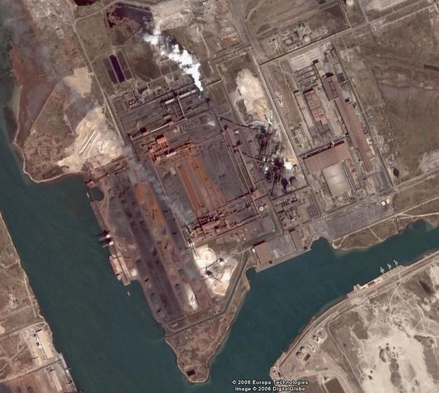 Fos sur mer arcelormittal steelworks vincent maurin flickr for Piscine fos sur mer