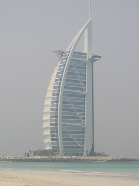 That big hotel that looks like a sail it 39 s actually for Sail shaped hotel dubai