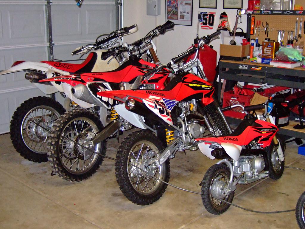The garage 1999 honda xr400 2004 honda crf250r 2005 for Garage honda poitiers