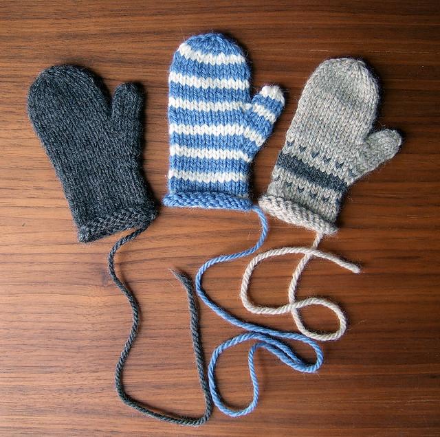 Knitting Pattern For Mini Mittens : Mini Mittens! Knitmas 2006 ornaments. I probably should ha? Flickr