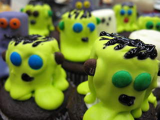 Marshmallow Mummy & Monster Cupcakes | by Matthew Harris