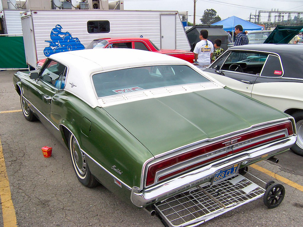 1970 ford thunderbird two door landau rear view a much. Black Bedroom Furniture Sets. Home Design Ideas