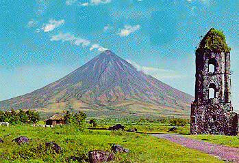 world s most perfect cone volcano mt mayon philippines