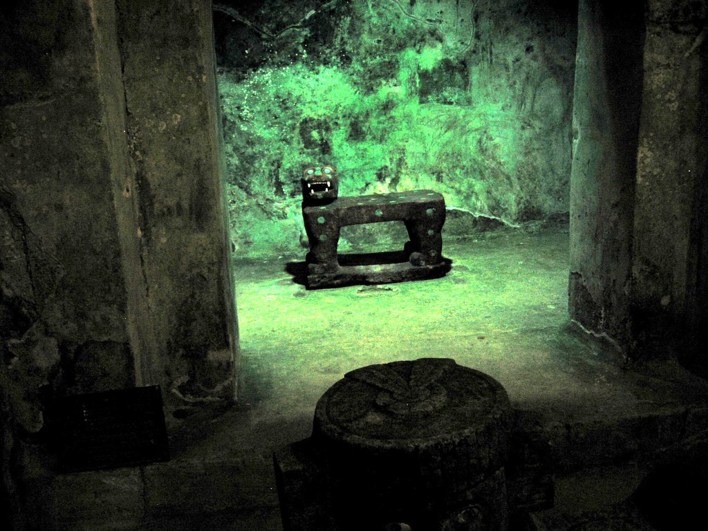 The jade jaguar throne inside the Chichen Itza pyramid, Me ...
