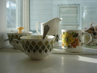 thrifted stoneware | by all buttoned up