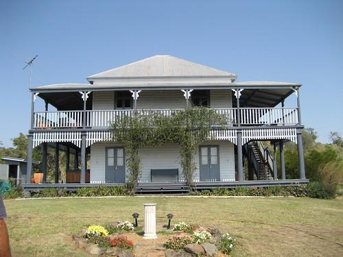 Queenslander house queenslander antiadventures flickr for Queenslander home designs australia