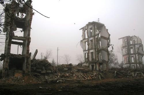 Масштаб разрушений в Марьинке огромный. Из-за террористов люди до сих пор остаются под завалами, - СНБО - Цензор.НЕТ 977