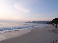 Chaweng beach @ Morning | by jetalone