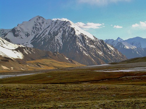 Mountains of Chinese Turkestan from the Khunjerab Pass in Pakistan - June 2006 | by SaffyH