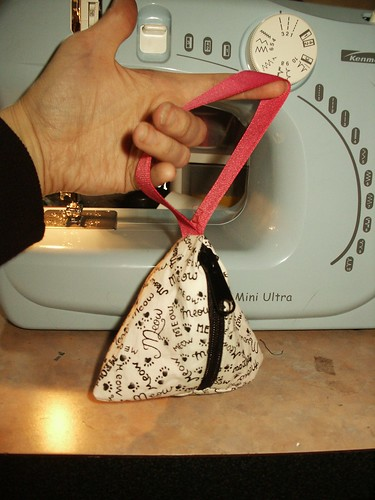 pyramid/teepee bag tutorial | by psychopompous9