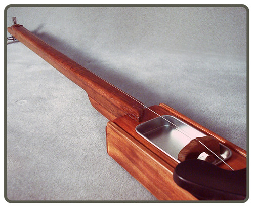 one string cigar box guitar 1