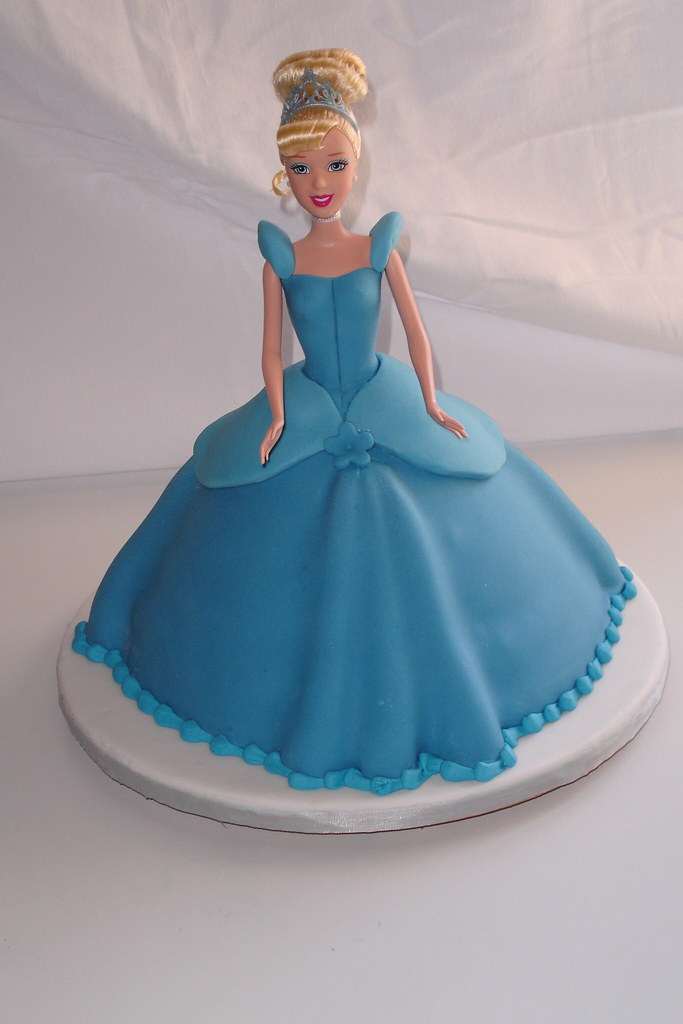Images Of Cakes Of Cinderella