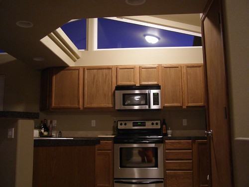 surprising kitchen lots windows   Kitchen - lots of windows   3 bed 2 bath Rounded Corners ...