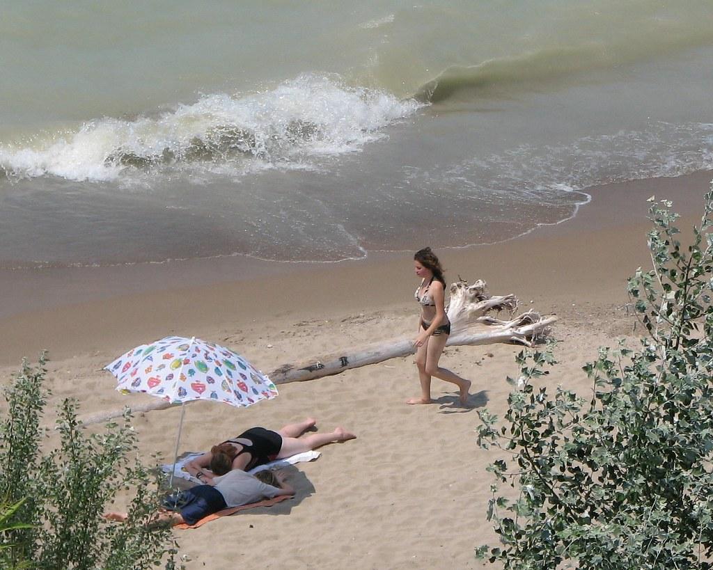 Ontario >> Beach Stroll Bayfield Ontario | Bobcatnorth | Flickr