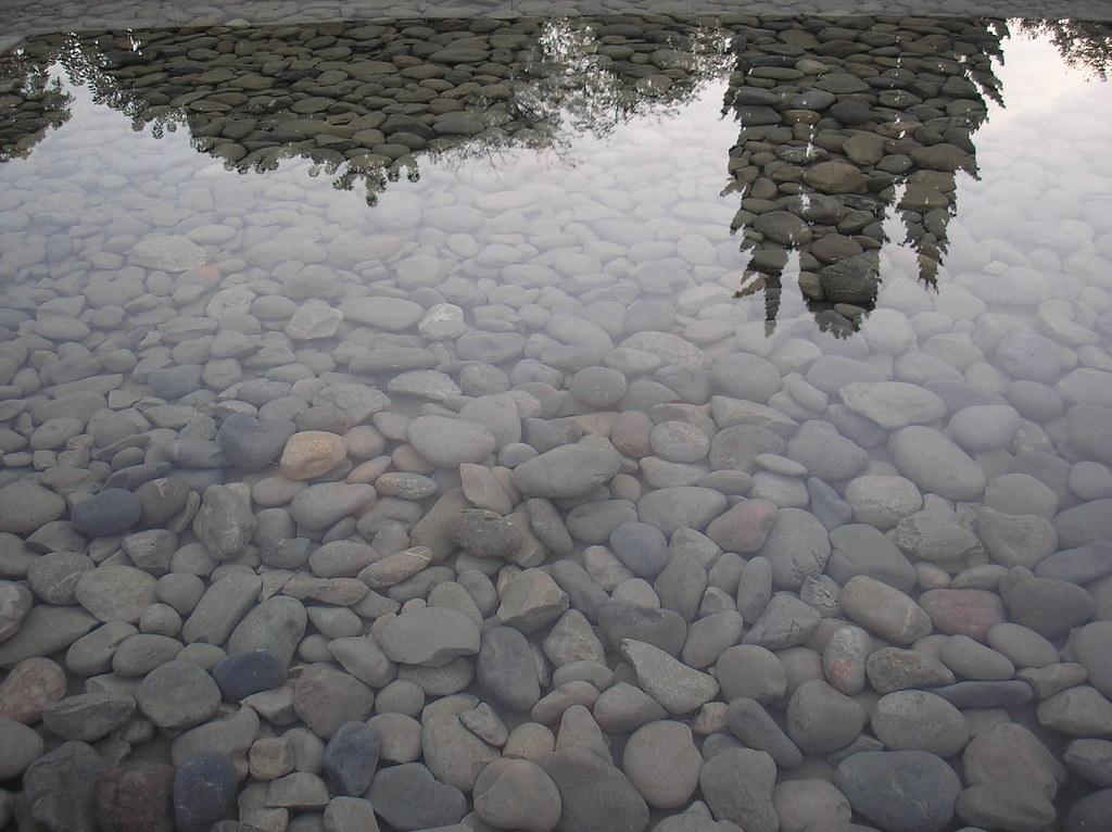 ESPEJO DE AGUA CON PIEDRAS | Mies Van Der Rohe, pabellon ... - photo#20