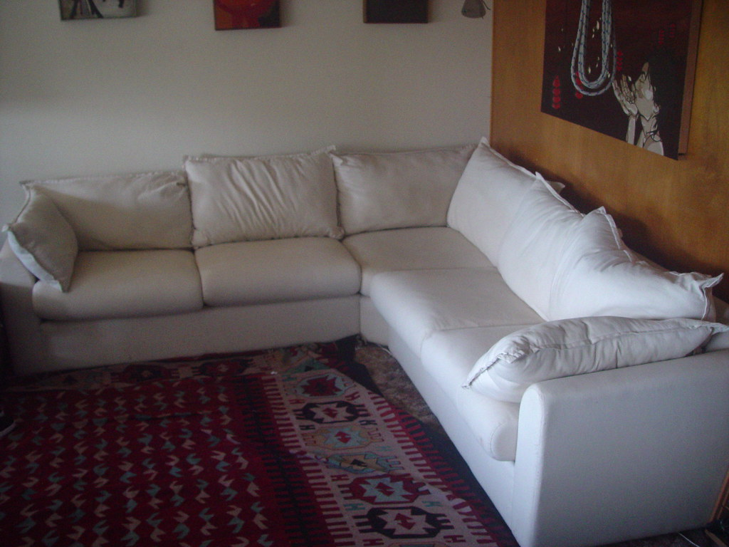 Free Couch This Couch Or Ikea Aivak Sofa Is About As