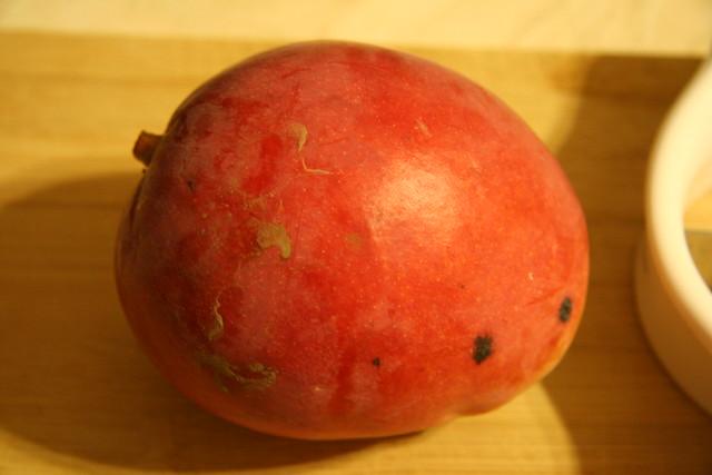 how to cut up mango fruit