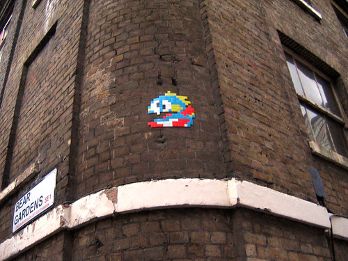Bubble Bobble on Bear Gardens SE1 | by daveknapik