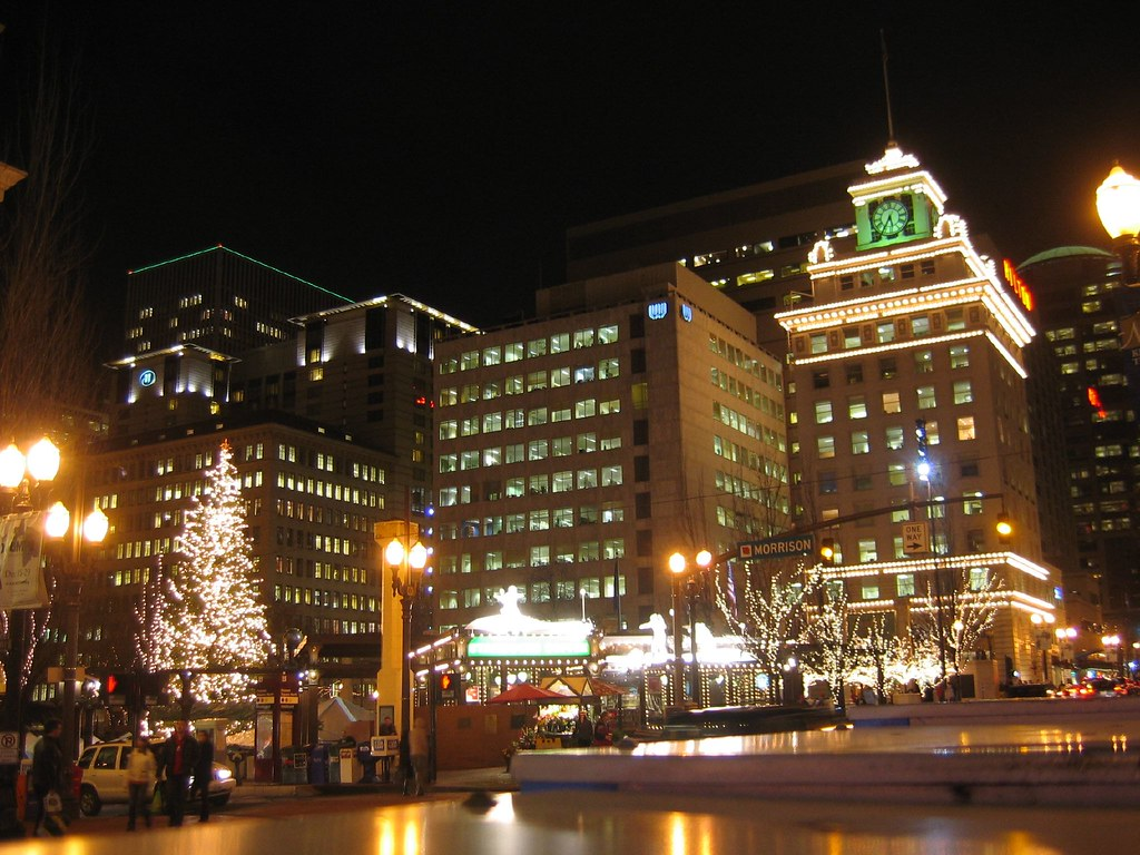 Downtown Portland Lights | Pioneer Square in downtown ...