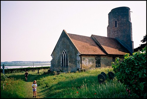 old negatives: Ramsholt, River Deben