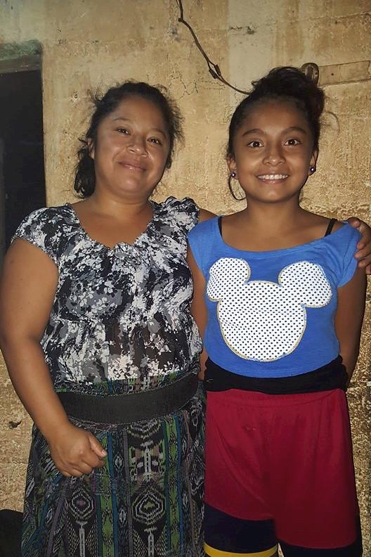 Alison Michel Gonzelez Gonzalez y madre