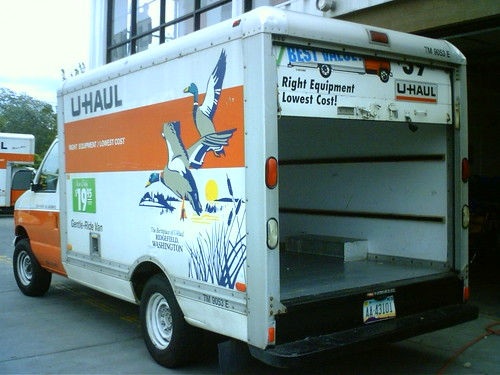 Miniturized 17 ft truck   This is odd, and only an U-haul em…   Flickr