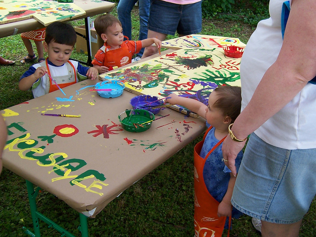 Kids painting kids painting at the decatur arts festival Fun painting ideas for toddlers
