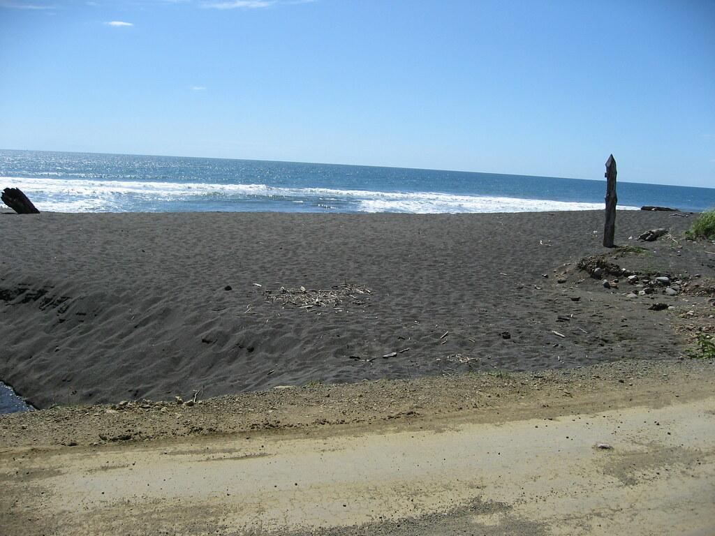 Img 0080 black sand beach playa hermosa jaco costa for Black sand beaches costa rica