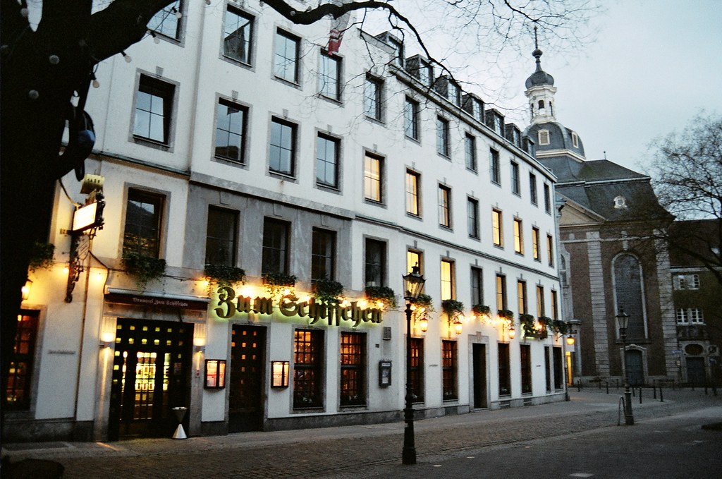 dusseldorf zum schiffchen city 39 s oldest restaurant tasos flickr. Black Bedroom Furniture Sets. Home Design Ideas