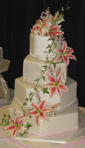 stargazer lily wedding cake stargazer 2007 cake and sugar show tx 20497