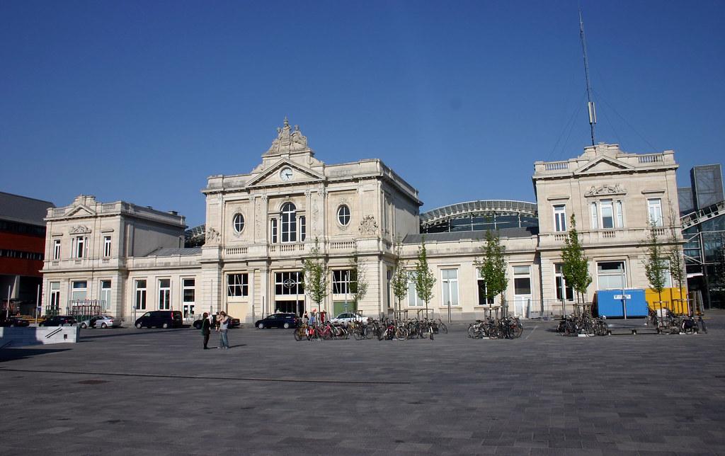 Nmbs station leuven in dit stationsgebouw uit 1875 for Interieur leuven