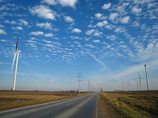 The Bloomington Windmill Farm, Under Construction! | by @superamit