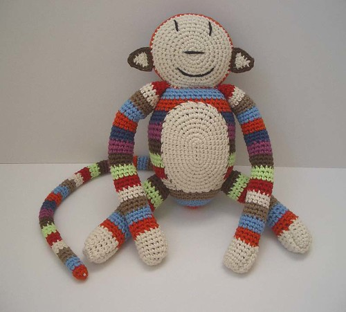 anne claire petit crochet monkey blogged at www. Black Bedroom Furniture Sets. Home Design Ideas