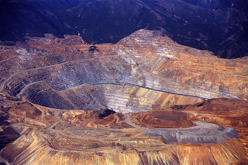 bingham canyon buddhist single men The bingham canyon mine , more commonly known as kennecott copper mine among locals, is an open-pit mining operation extracting a large porphyry copper deposit southwest of salt lake city , utah , in the oquirrh mountains .