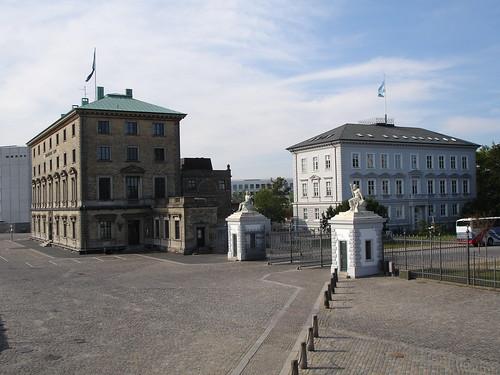 how to get from copenhagen to edinburgh
