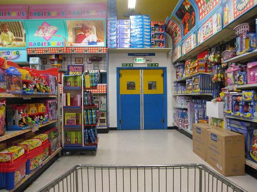 Toys r us brent cross 21 45 14 december steve for Cuisinette toys r us