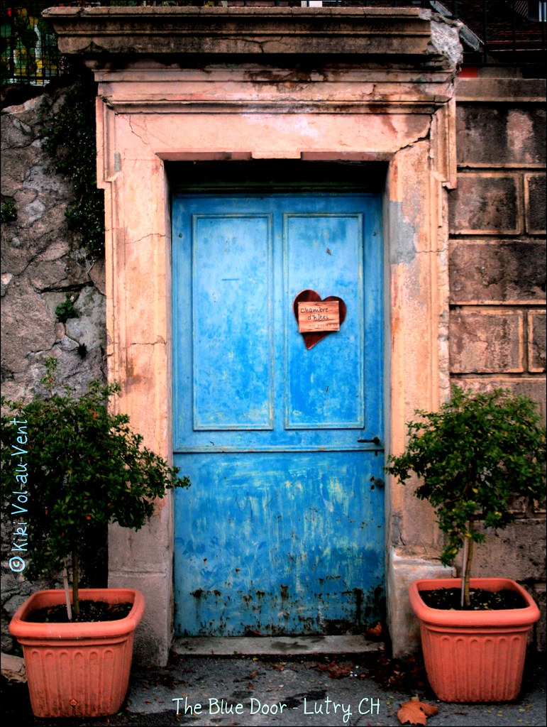 ... blue door with heart   by Vol-au-Vent & blue door with heart   Taken for the Two Word Wednesdays grou2026   Flickr