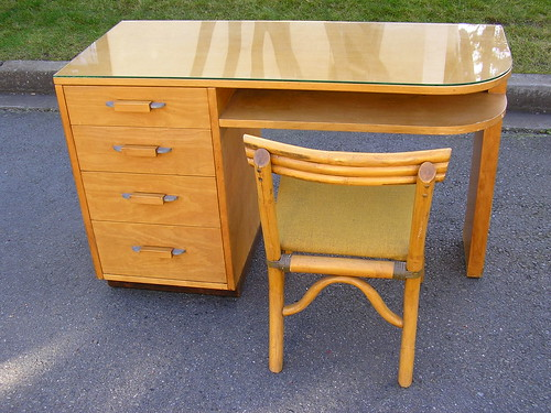 Deco Saarinen Desk | by So Sylvie
