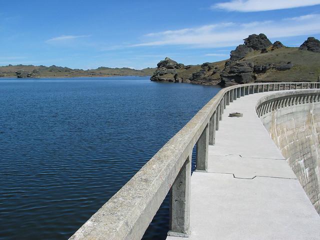 Poolburn Dam - a regular stopping spot for campervan rentals