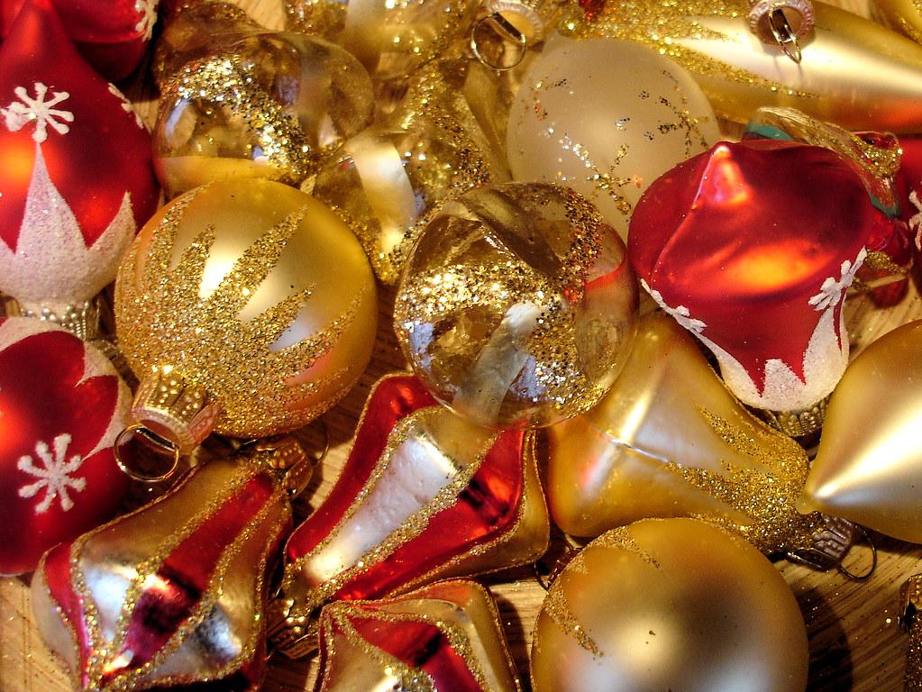 Christbaumkugeln At.Christbaumkugeln Auf Einem Weihnachtsmarkt At A Xmasmarket